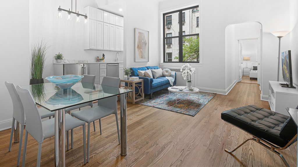 The Gasdaska Conlon Team are experts at staging apartments, as you can see in this photo of one of their listings.
